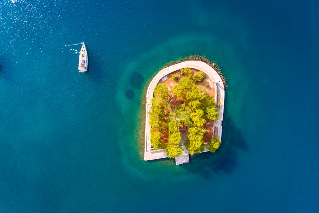Discovering Vathy Ithaca (Ithaka), Greece, with a yacht