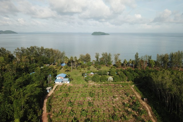 Koh Sriboya Island in June