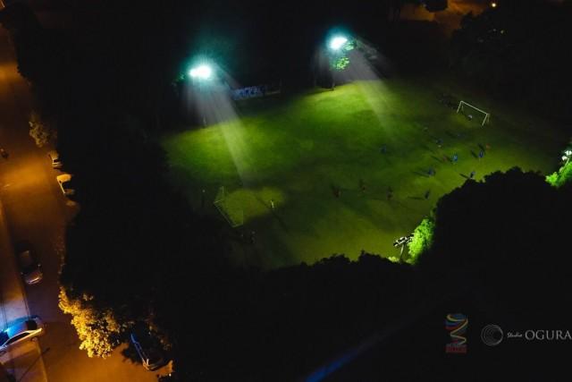 Futebol a sombra da luz