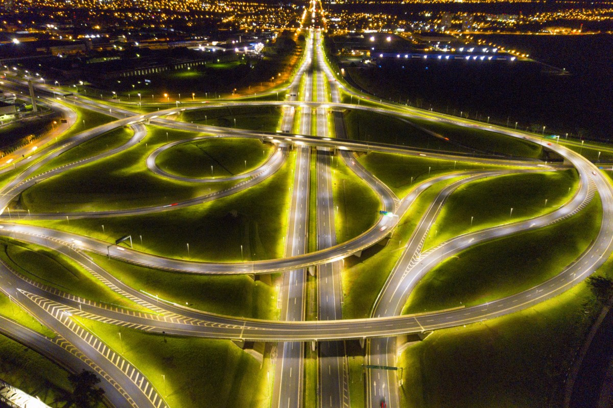 Roundabout during the Night @ Ribeirao Preto (SP)
