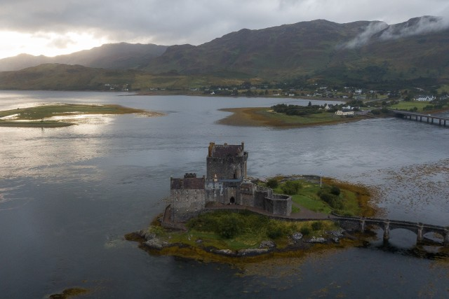 Eilean Donan Castle – Highlander