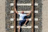 climb up a big ledder