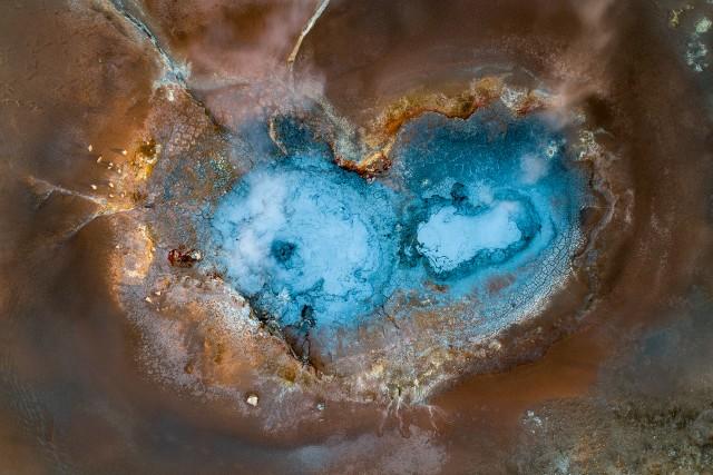 Heart shaped geyser