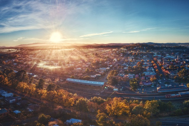 Wake up Castlemaine – The sun is rising.