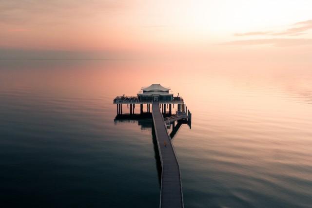 A walk into the horizon