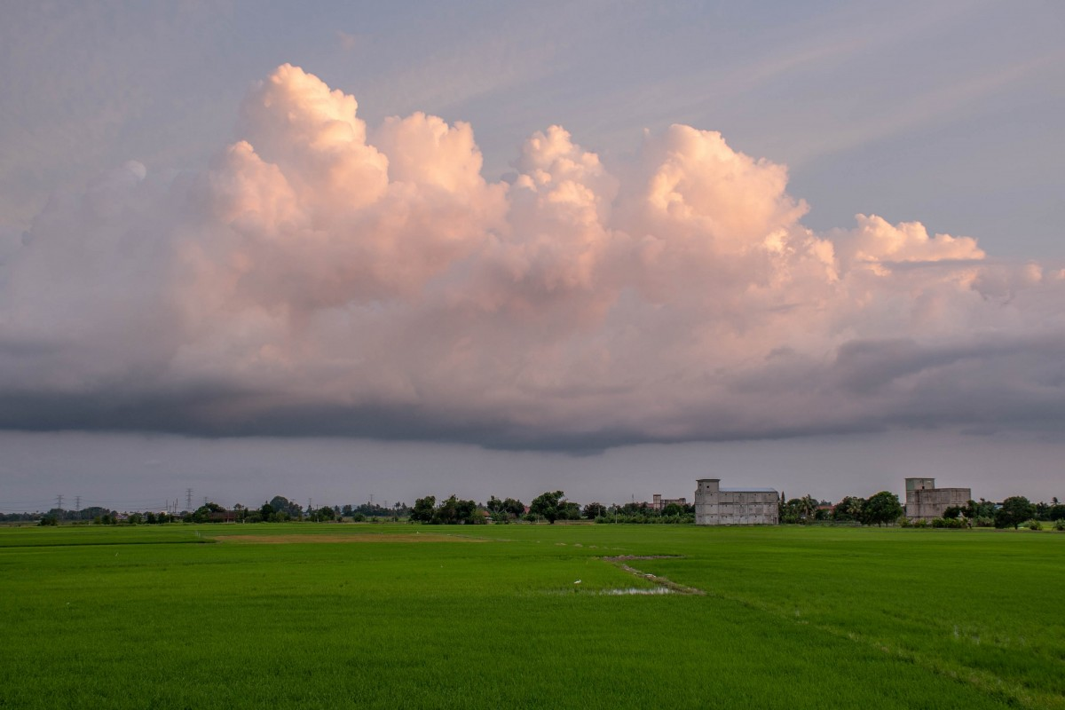 cloud in the countryside