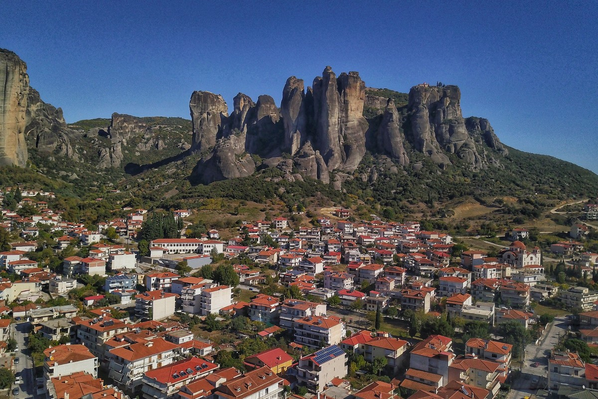 Mountains of Meteora, Monasteries
