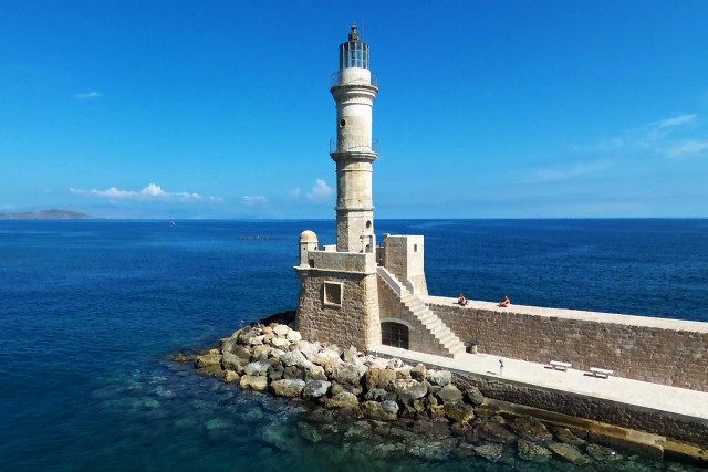 Lighthouse of the port of Kanya