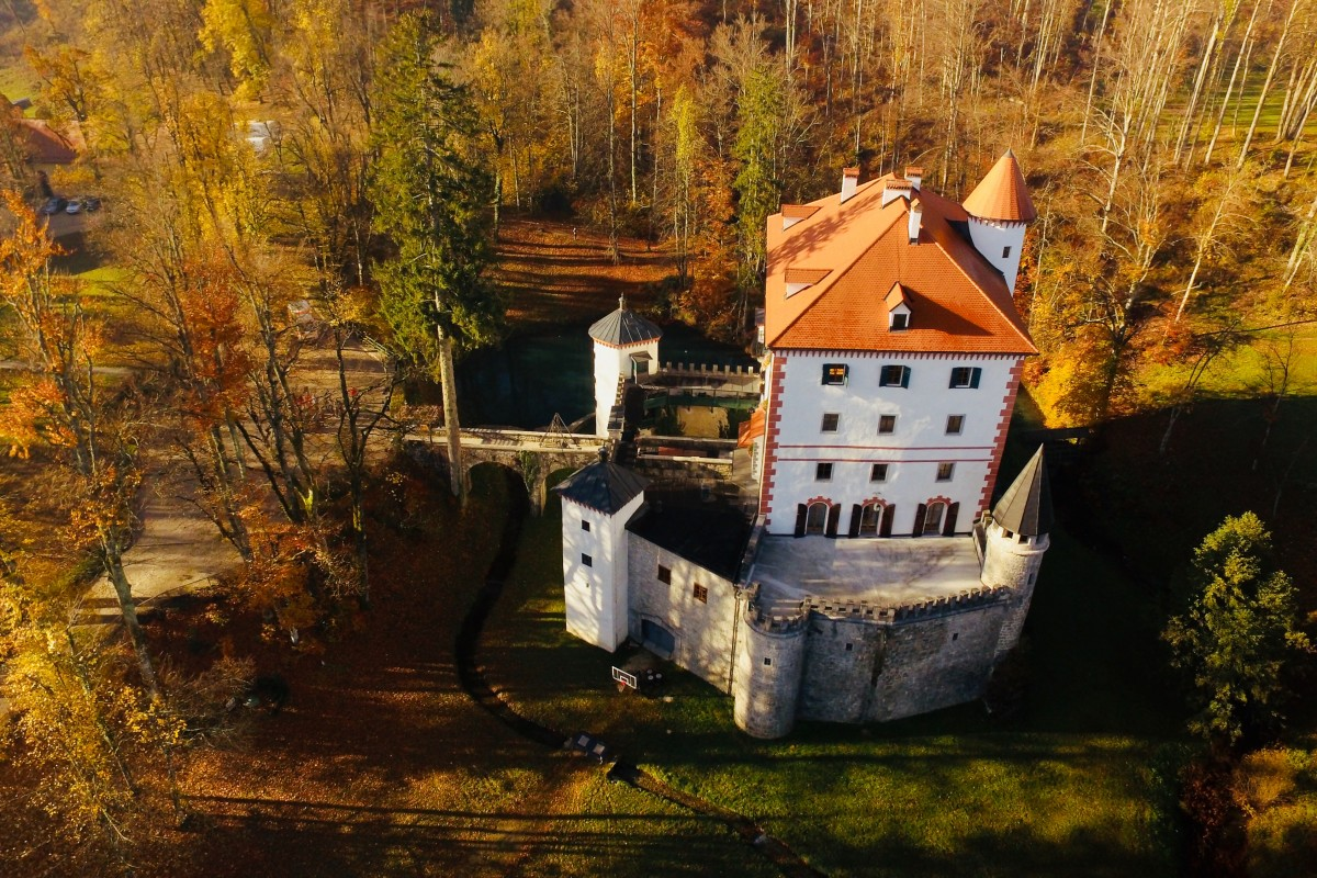 Autumn at the castle