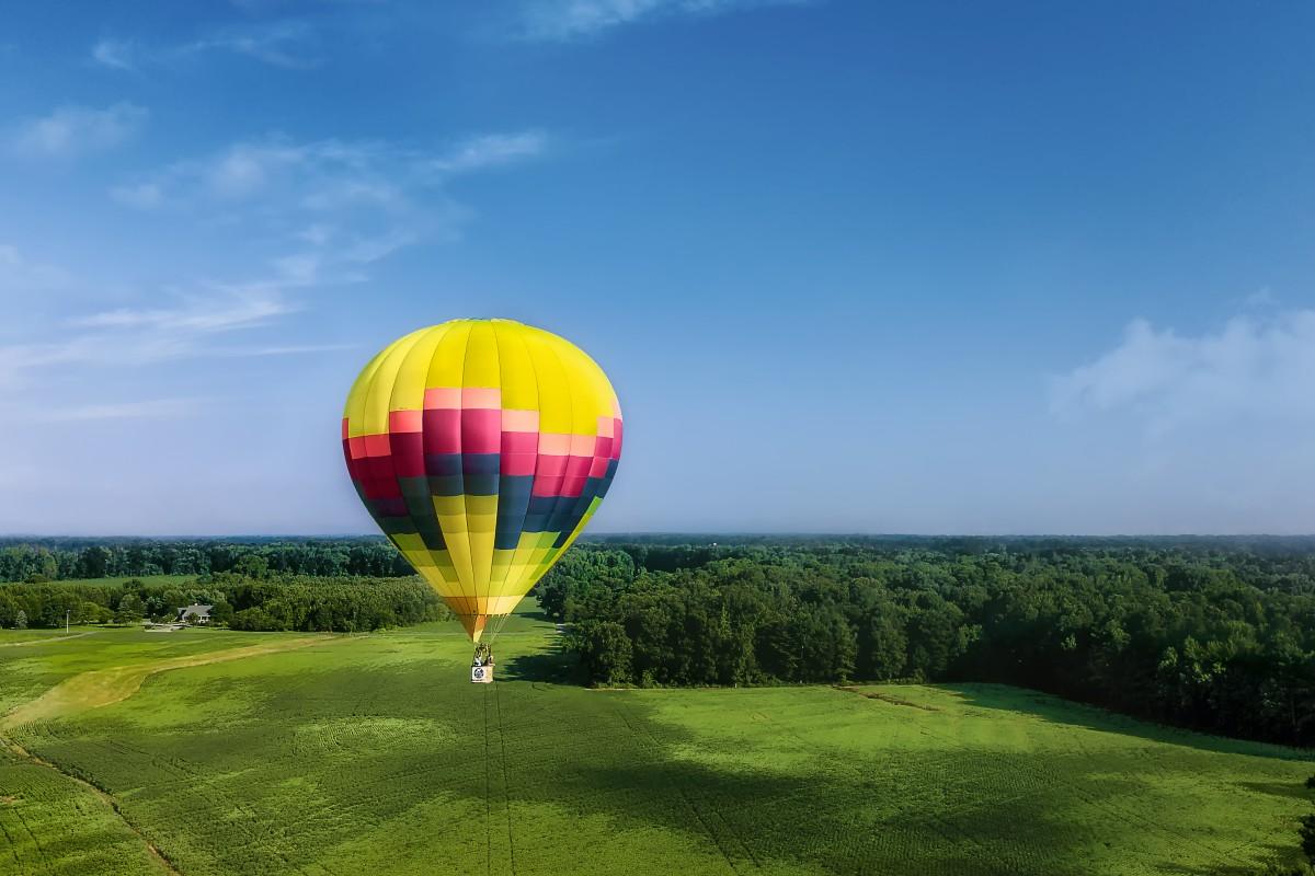Hot Air Balloon(s) in Flight