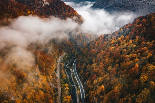 Autumn on the road to Transylvania