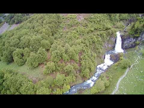 Saut Deth Pish – The Valley of Aran from the air