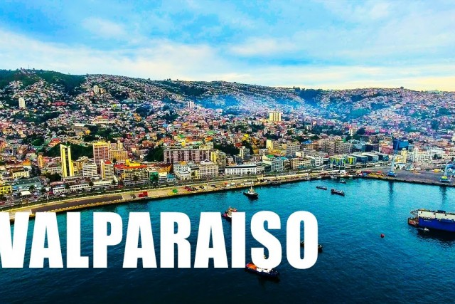 VALPARAISO – CHILE. Drone Aerial Footage – DJI Phantom 4 Drone Flying Over The City in 4k
