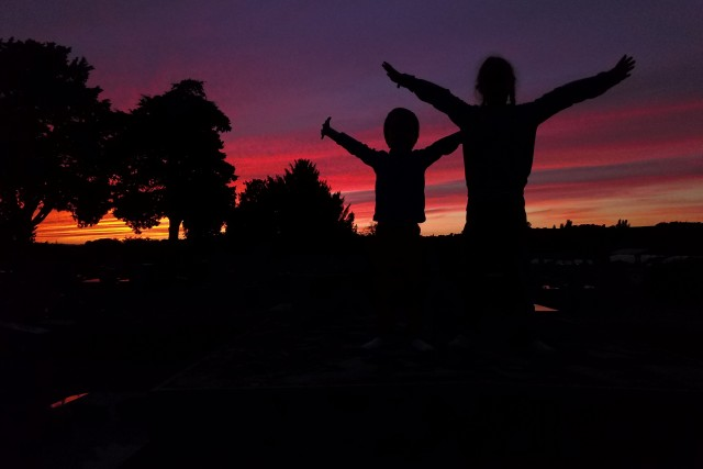 Kids on the sunset, Saint-Sernin, Toulouse, France