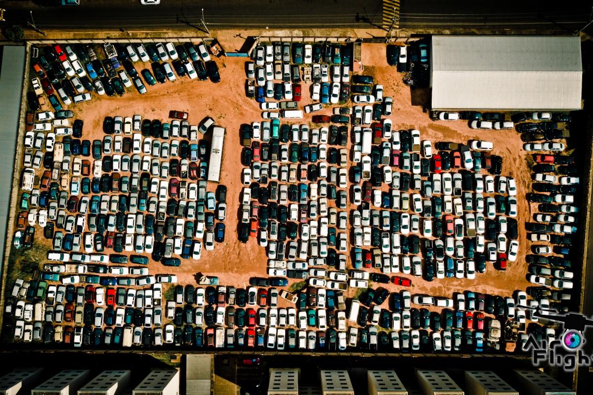 Patio de apeenção de carros em Bauru SP