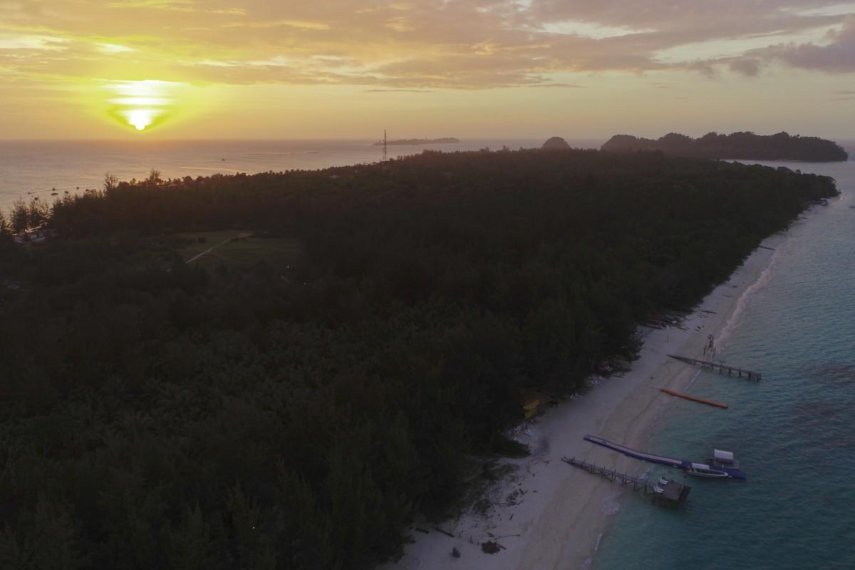sunset @ mantanani island