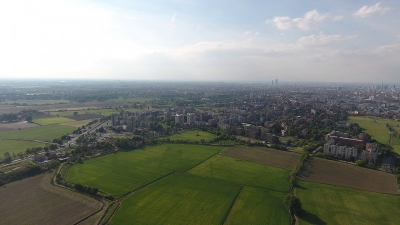 Phantom 4 over Milano