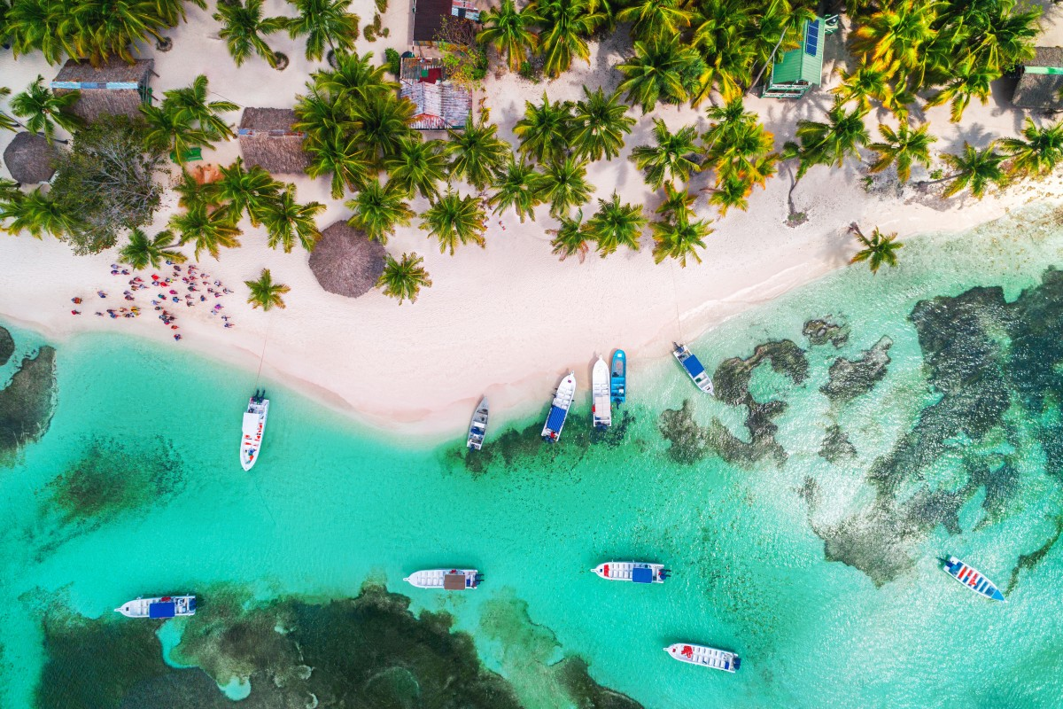 Carribean sea and boat on the shore