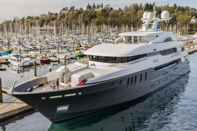 Mega Yacht MLR