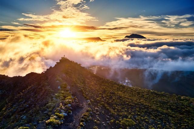 Un coucher de soleil au cratère commerson
