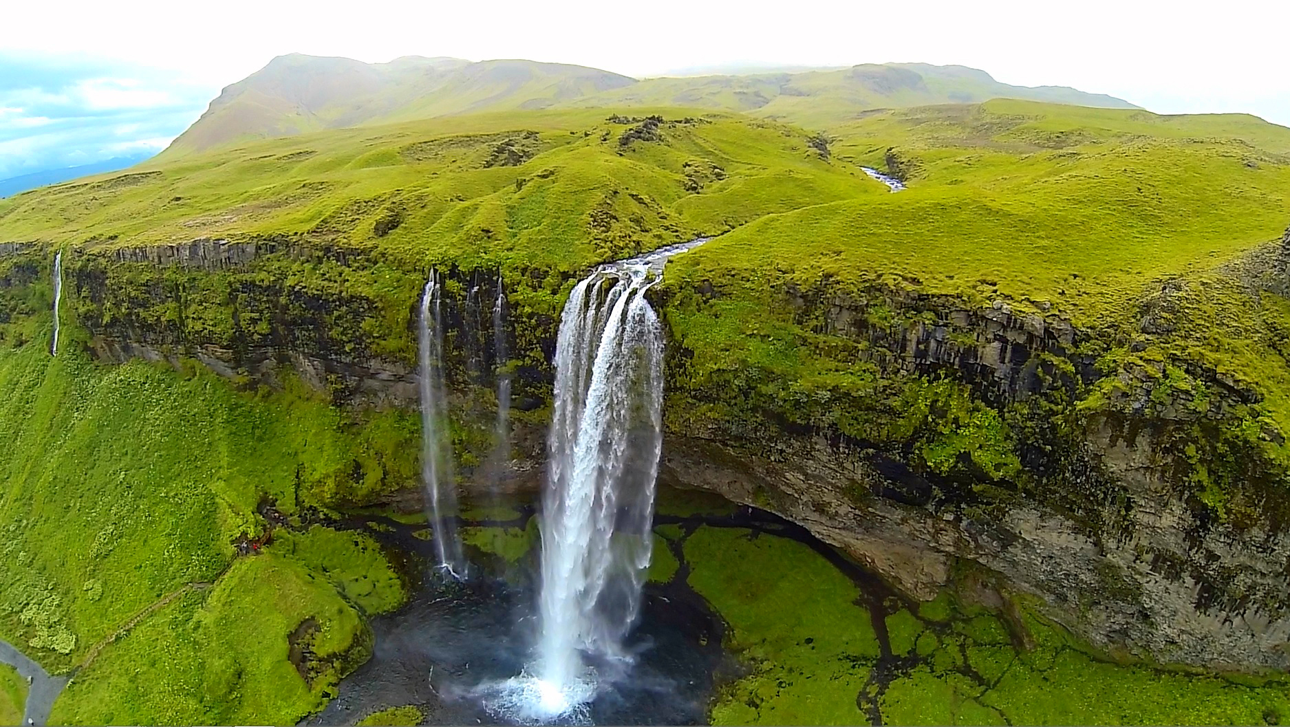 11 Waterfalls That Will Take Your Breath Away - Dohop